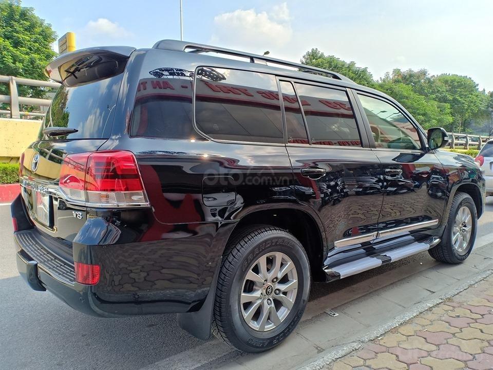 Bán Toyota Land Cruiser V8 5.7L model 2016, màu đen xe nhập khẩu nguyên chiếc (3)