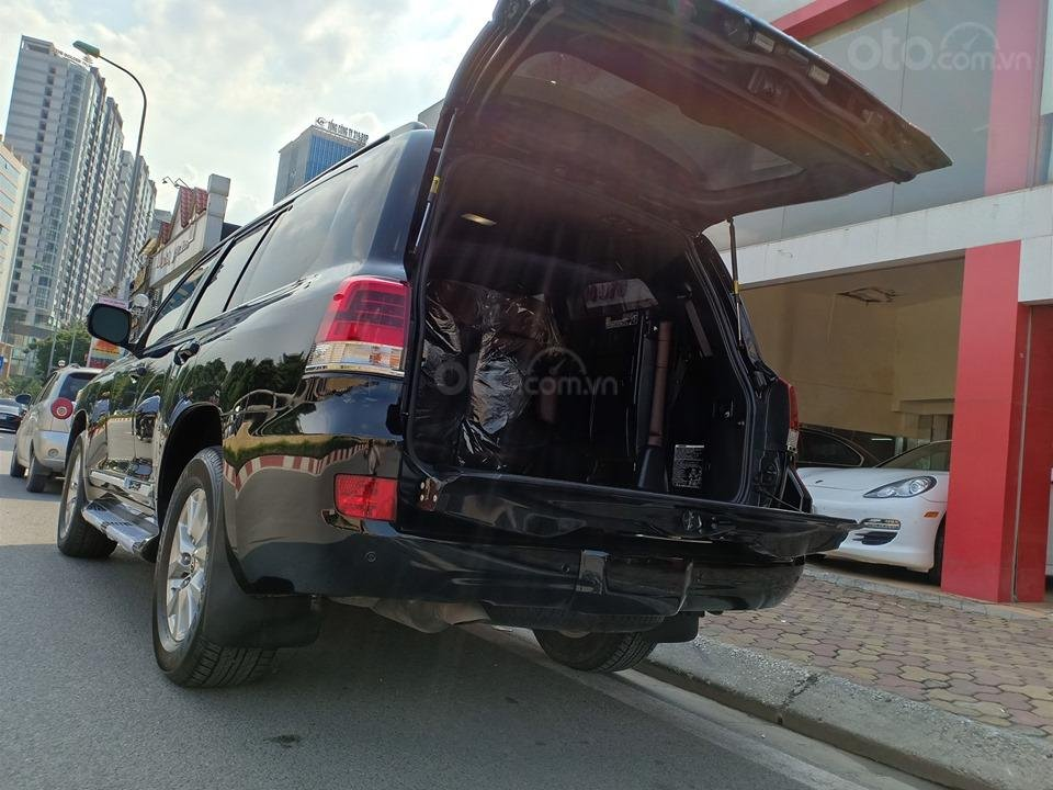 Bán Toyota Land Cruiser V8 5.7L model 2016, màu đen xe nhập khẩu nguyên chiếc (9)