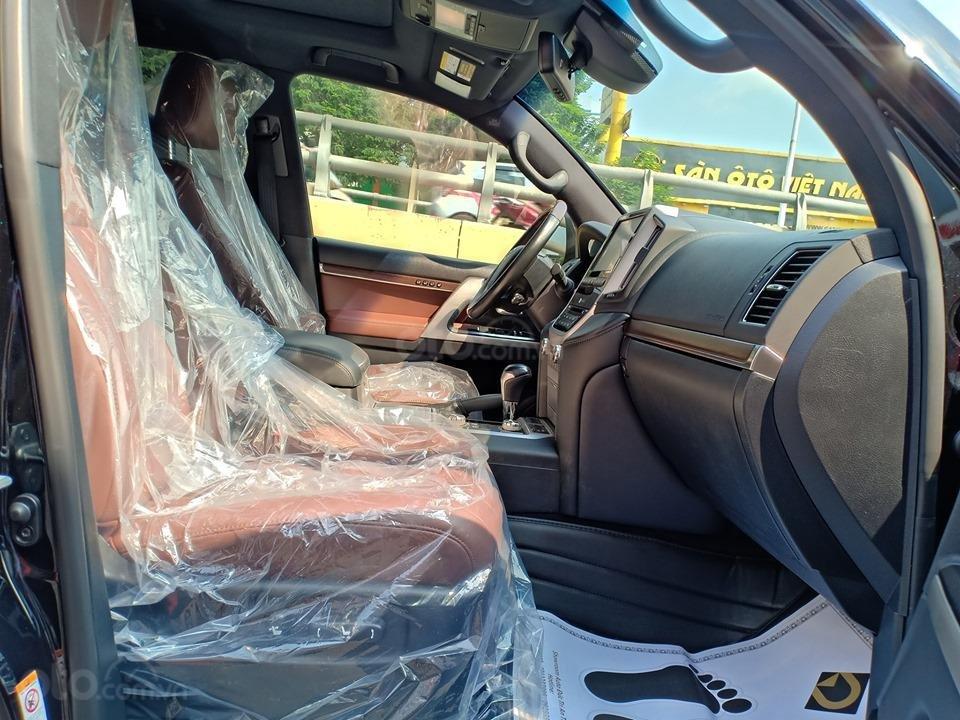 Bán Toyota Land Cruiser V8 5.7L model 2016, màu đen xe nhập khẩu nguyên chiếc (7)