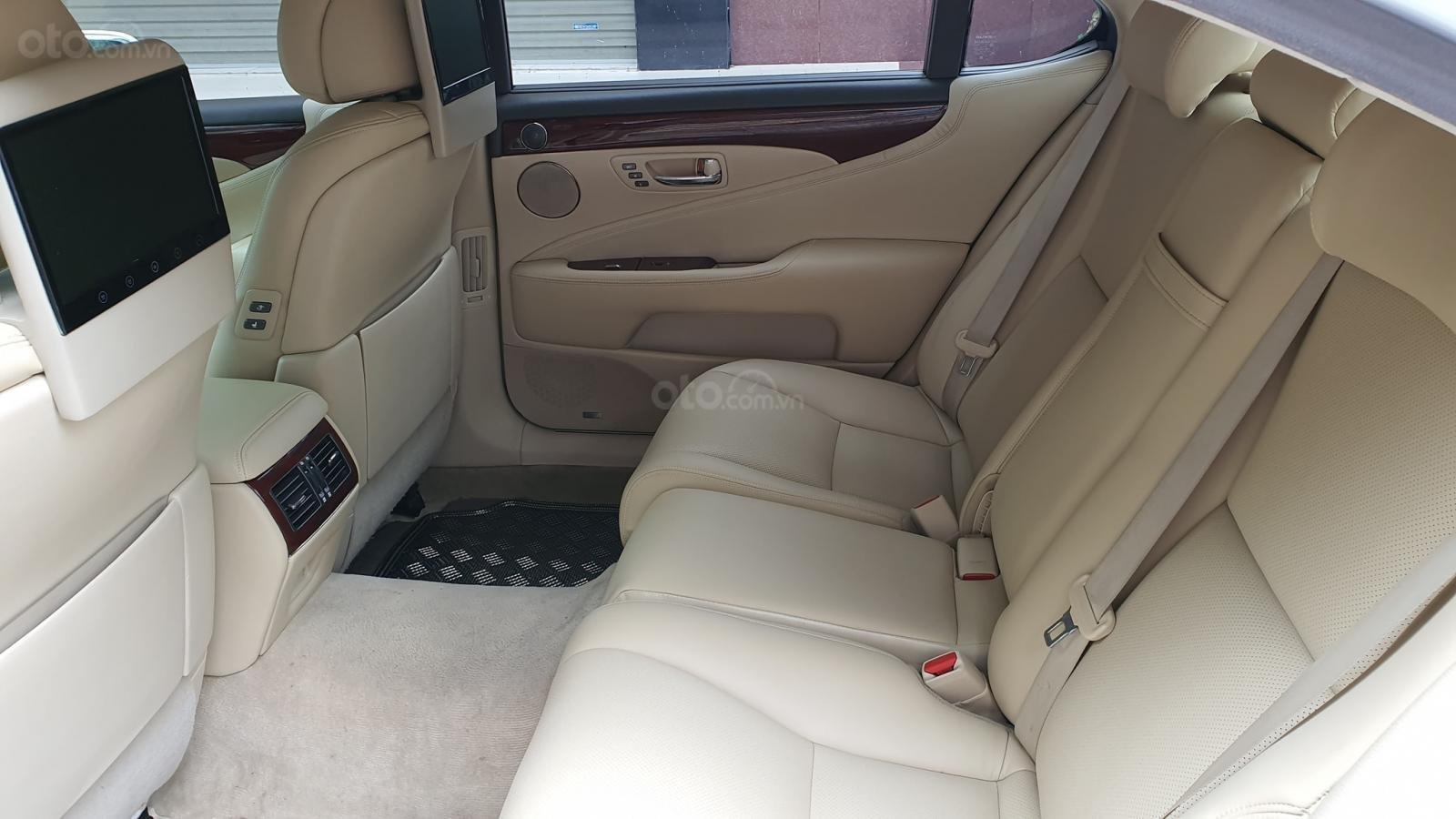 Bán xe Lexus LS 460L sản xuất 2010, model 2011, màu trắng, nội thất kem (9)