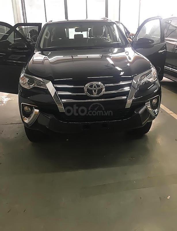 Bán xe Toyota Fortuner 2.4G 4x2 AT sản xuất năm 2019, màu đen (1)