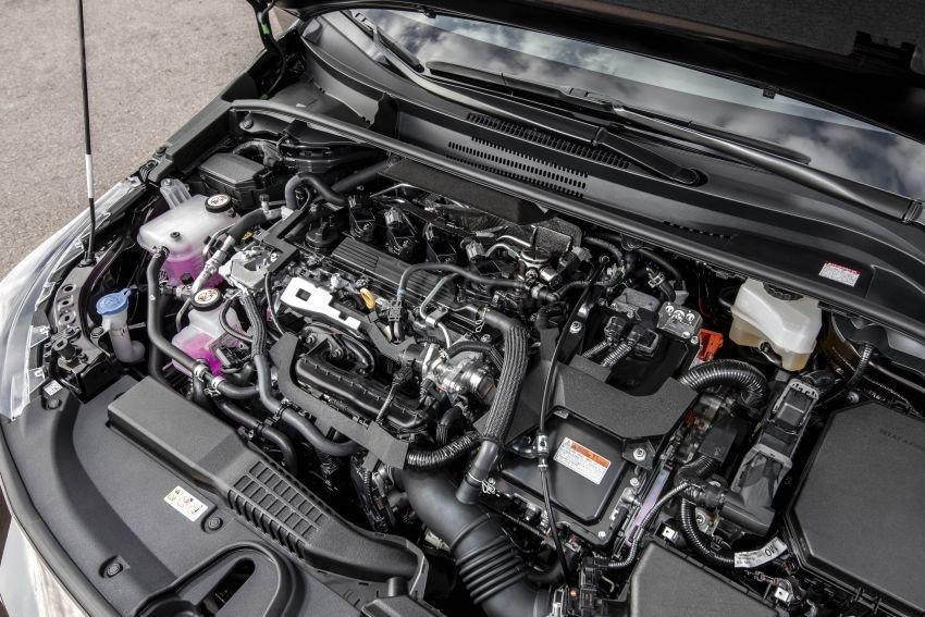 Ảnh chụp động cơ xe Toyota Corolla Altis 2020