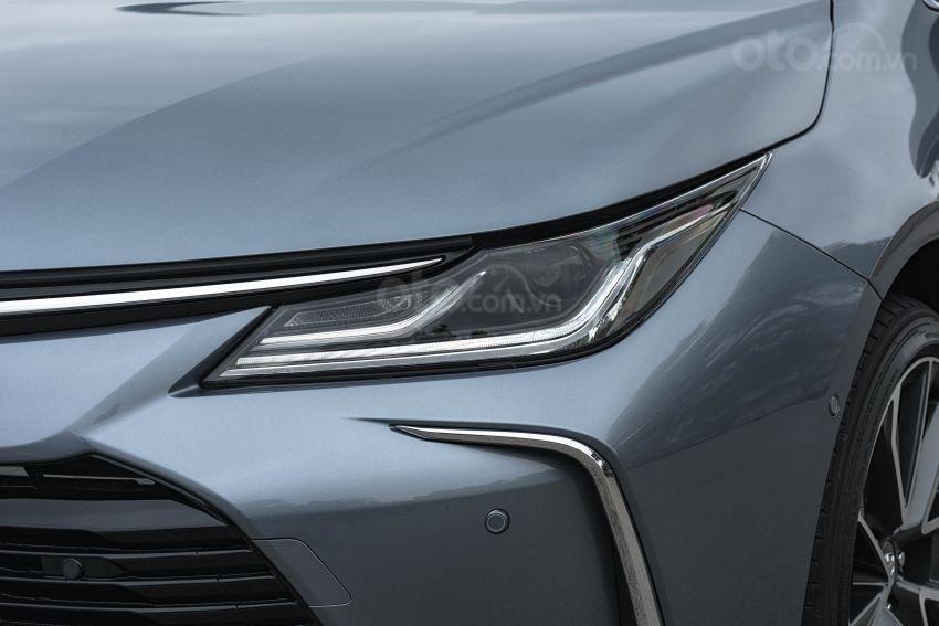 Ảnh chụp đèn xe Toyota Corolla Altis 2020