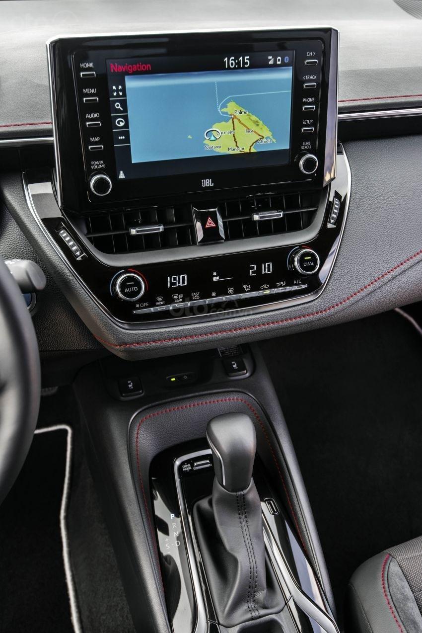 Ảnh chụp màn hình xe Toyota Corolla Altis 2020