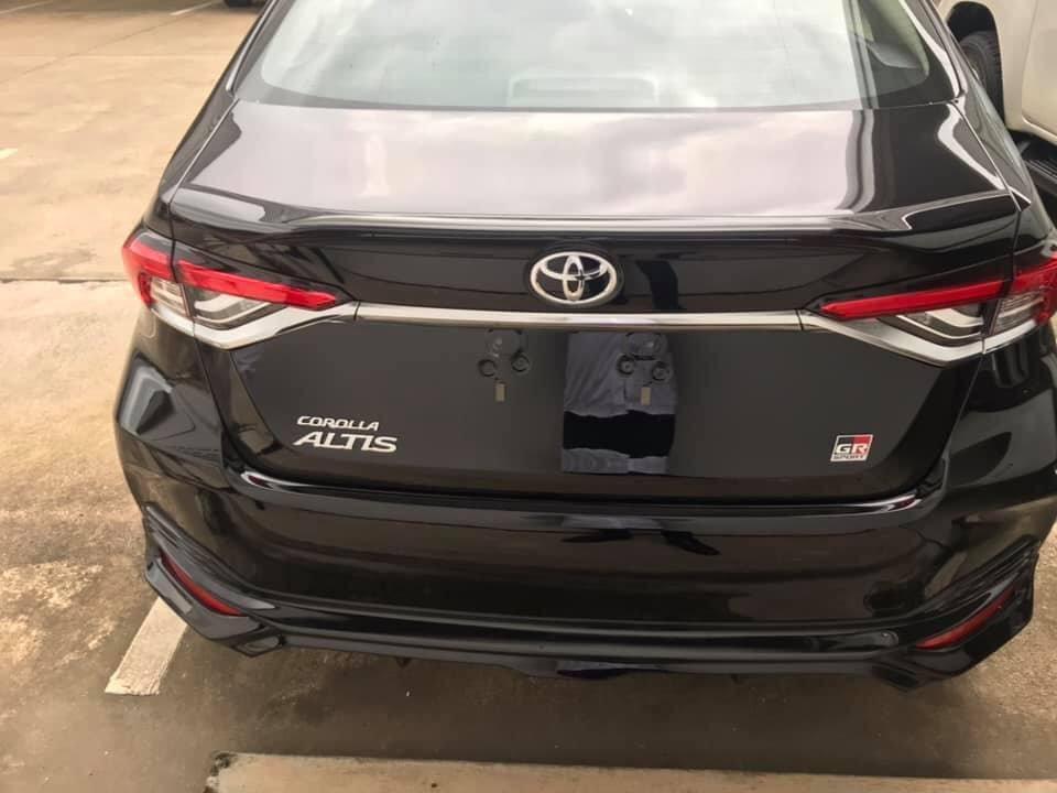 Thêm ảnh Toyota Corolla Altis 2020 bản GR Sport  a4