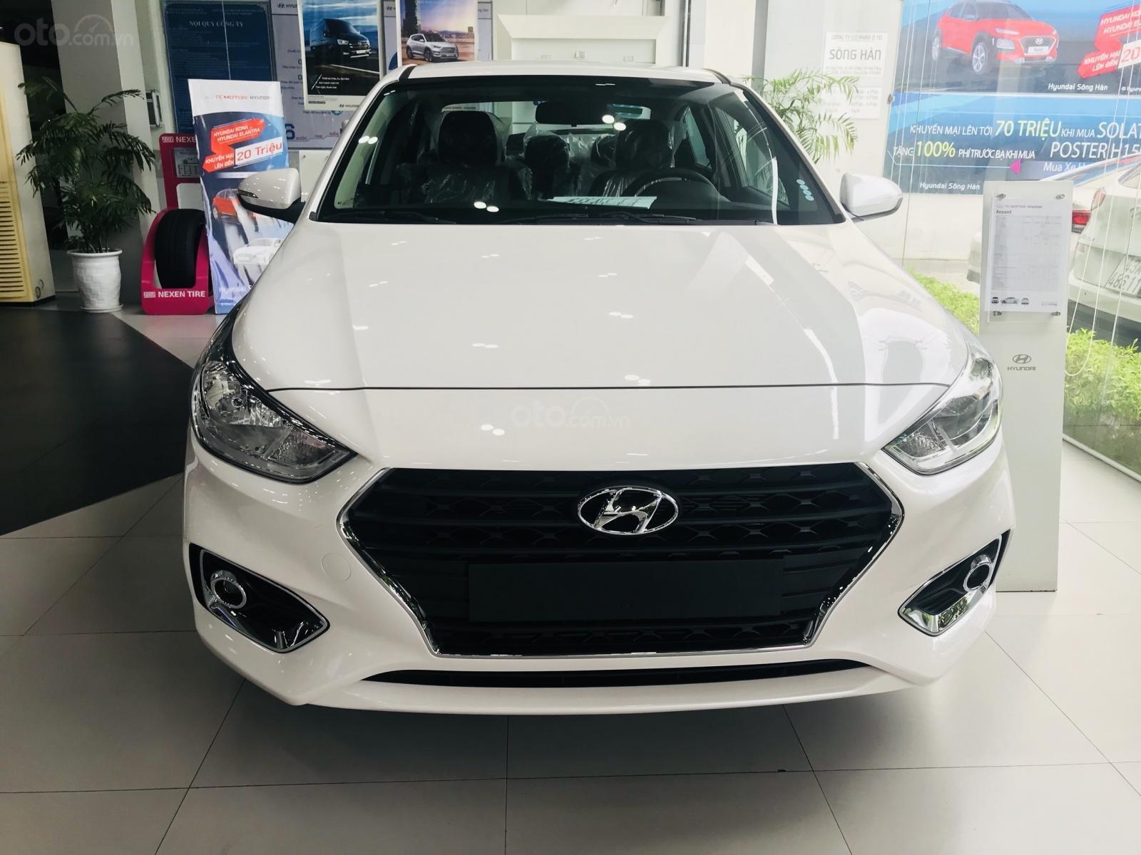 Khuyến mãi + giảm giá + giao xe ngay với Hyundai Accent 2019, hotline: 0974064604 (6)