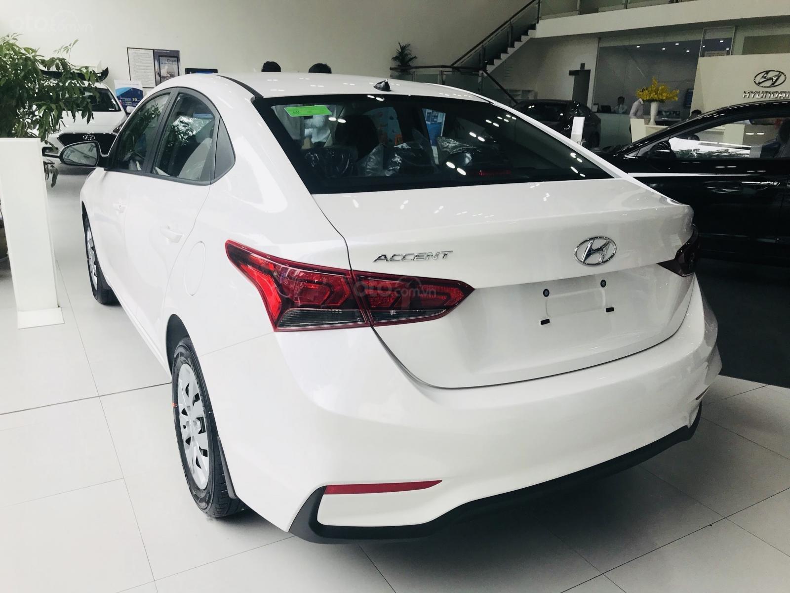 Khuyến mãi + giảm giá + giao xe ngay với Hyundai Accent 2019, hotline: 0974064604 (7)