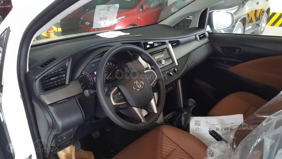 Bán xe Toyota Innova 2.0E MT 2019 giảm giá đến 60tr+ quà tặng phụ kiện Full, hỗ trợ trả góp 80% giá xe (3)