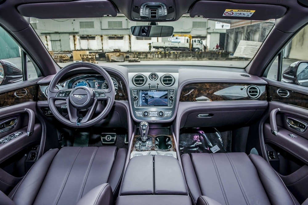 Nội thất Bentley Bentayga V8 thứ 2