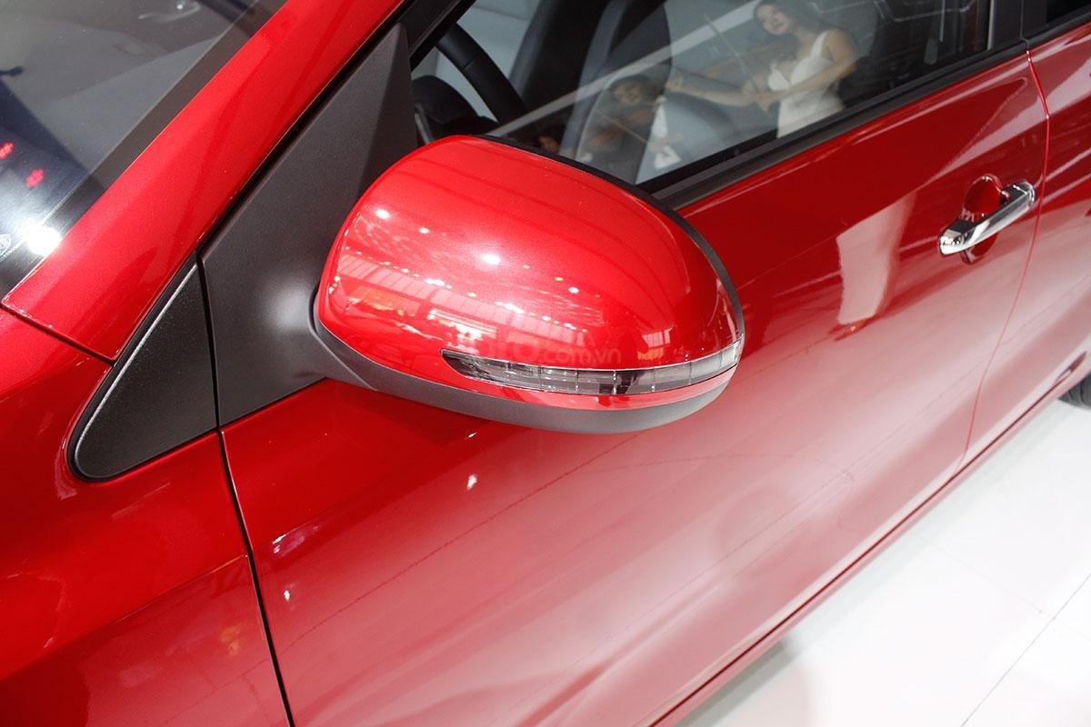 Thiết kế gương chiếu hậu của xe Kia Soluto 2019