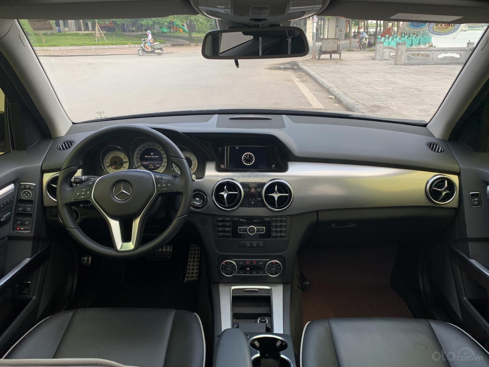 Chính chủ cần bán Mercedes 250 AMG 2.0AT đời 2016, màu đen, biển VIP, full options (4)