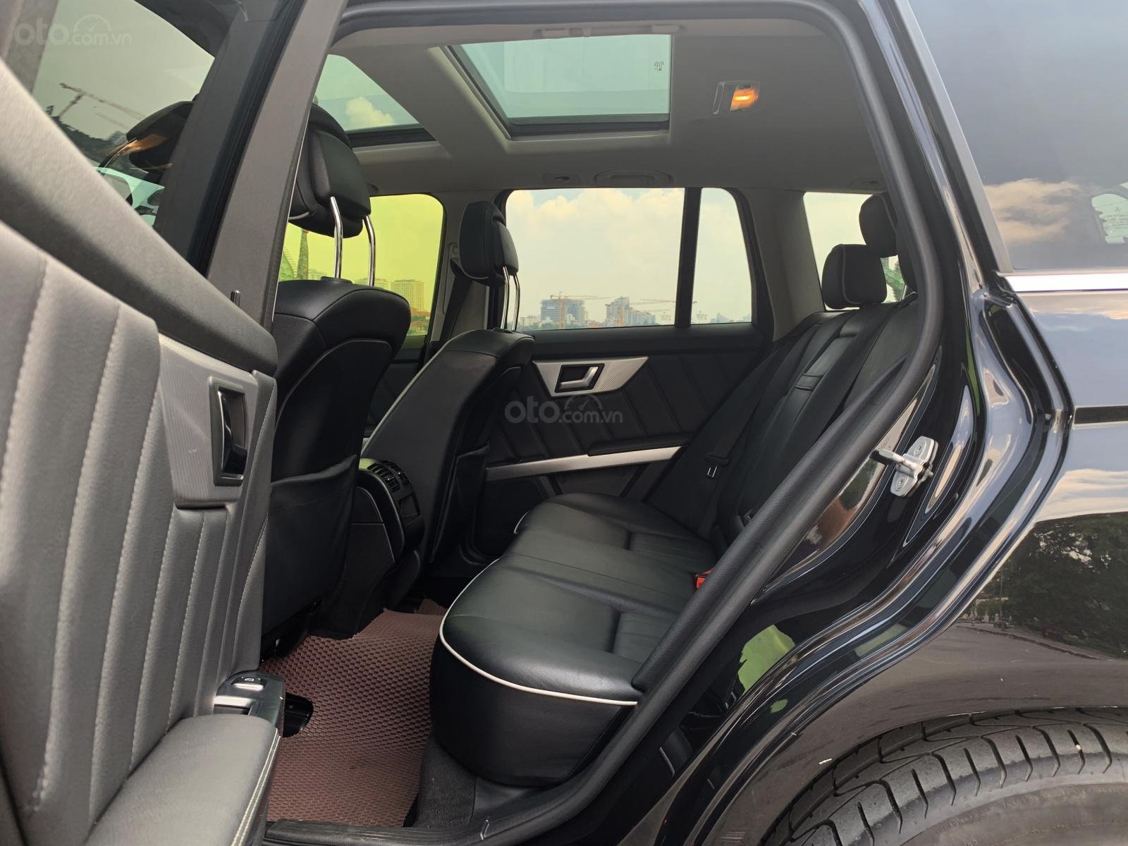 Chính chủ cần bán Mercedes 250 AMG 2.0AT đời 2016, màu đen, biển VIP, full options (8)