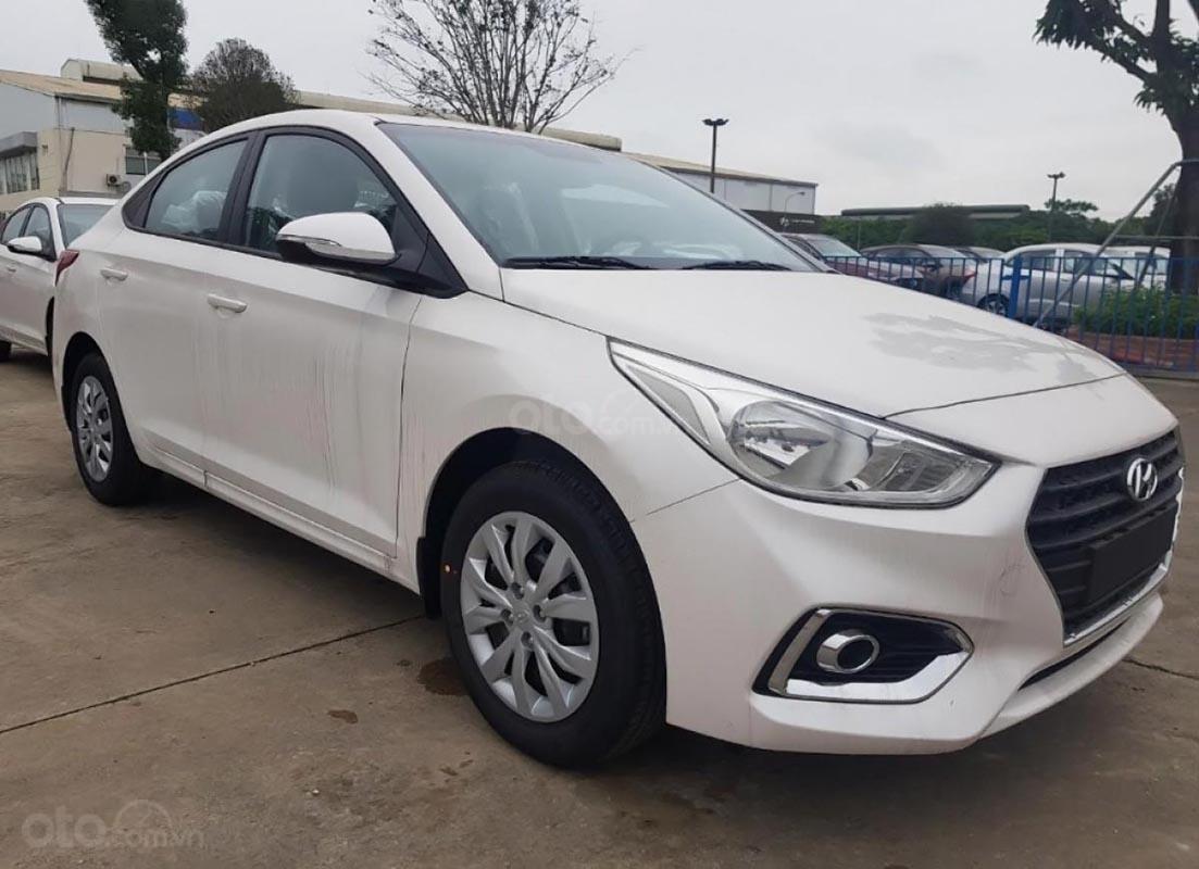 Hyundai Tây Ninh bán Hyundai Accent 1.4 MT Base đời 2019, màu trắng (1)