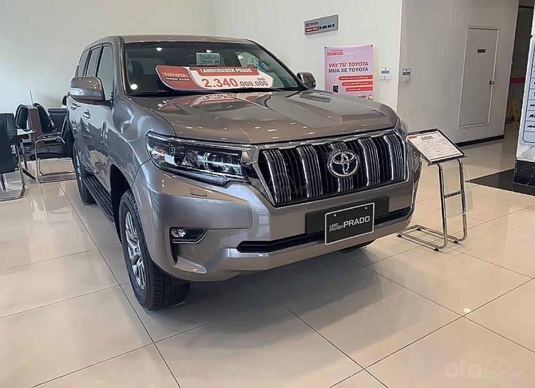 Bán Toyota Land Cruiser Prado VX 2.7L năm sản xuất 2019, màu ghi vàng, xe nhập (1)
