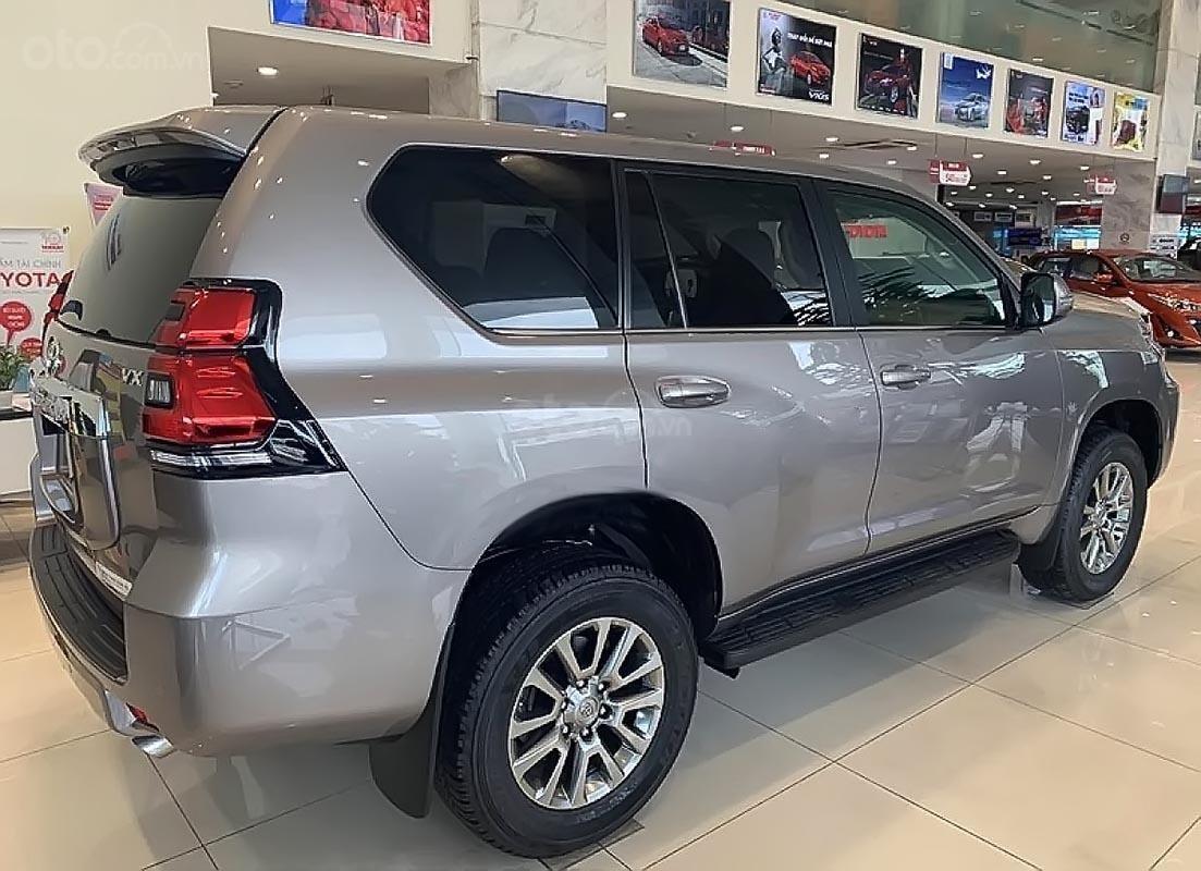 Bán Toyota Land Cruiser Prado VX 2.7L năm sản xuất 2019, màu ghi vàng, xe nhập (4)