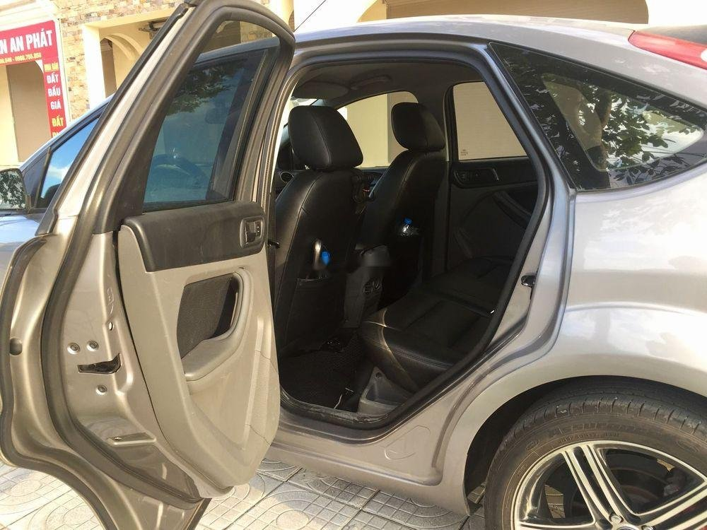 Bán Ford Focus đời 2010, xe nhập ít sử dụng, giá chỉ 320 triệu (3)