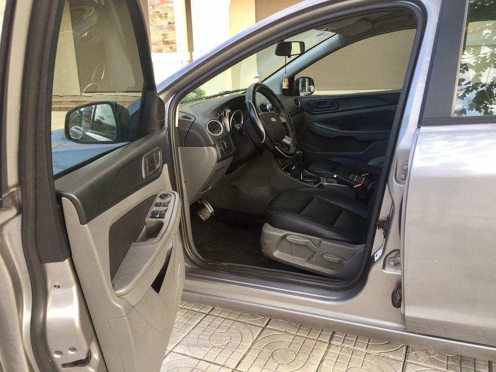 Bán Ford Focus đời 2010, xe nhập ít sử dụng, giá chỉ 320 triệu (4)