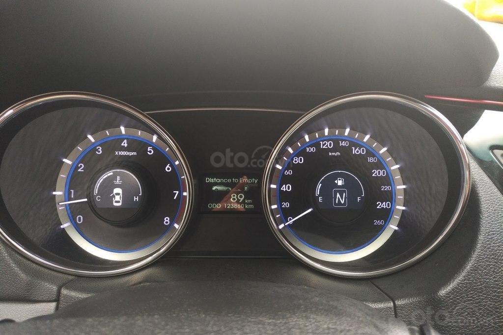 Bán Hyundai Sonata 2.0AT 2010, nhập khẩu nguyên chiếc (16)