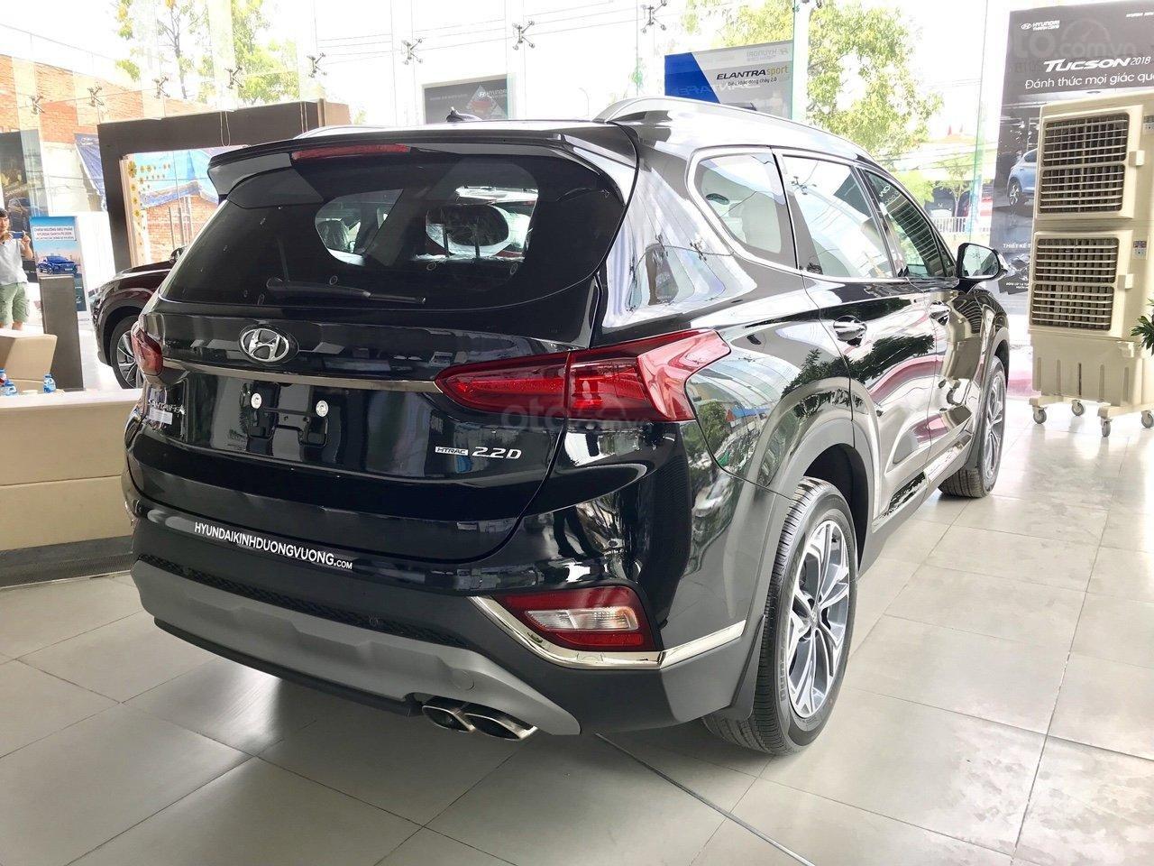 Xả kho Hyundai Santa Fe dầu đặc biệt màu đen + hỗ trợ trả trước 370tr tậu xe (3)
