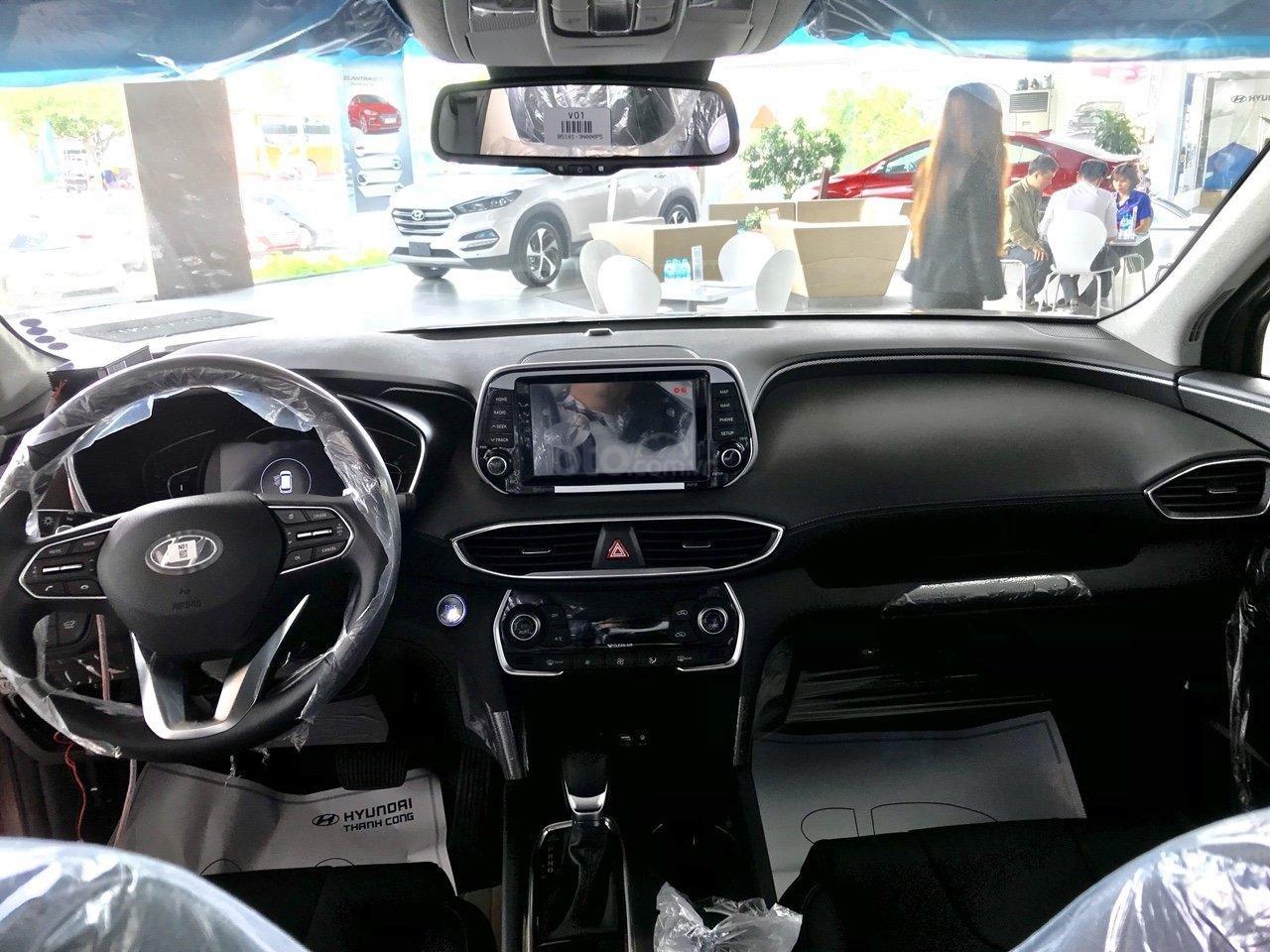 Xả kho Hyundai Santa Fe dầu đặc biệt màu đen + hỗ trợ trả trước 370tr tậu xe (4)