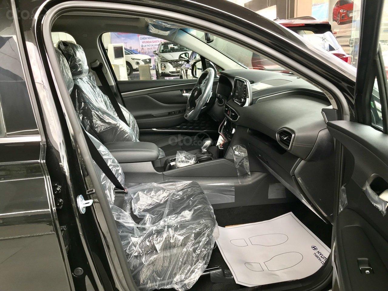 Xả kho Hyundai Santa Fe dầu đặc biệt màu đen + hỗ trợ trả trước 370tr tậu xe (5)