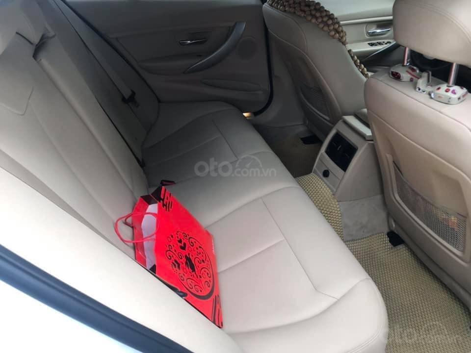 Chính chủ bán ô tô BMW 3 Series 320i sản xuất 2016, màu trắng, xe nhập, giá tốt (4)