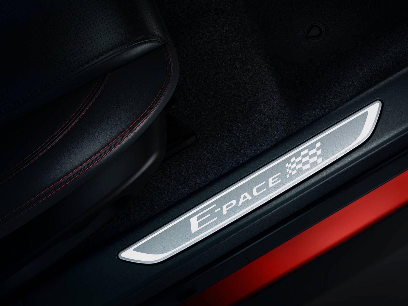 Jaguar E-Pace 2020 có thêm bản đặc biệt, giá từ 46.400 USD a7
