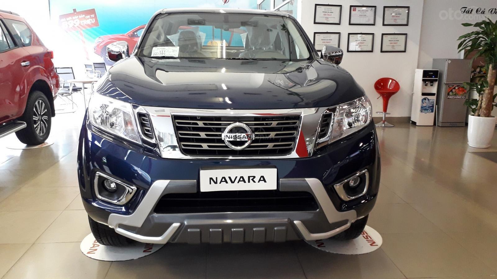Xe Nissan Navara EL giao ngay giá sock (1)