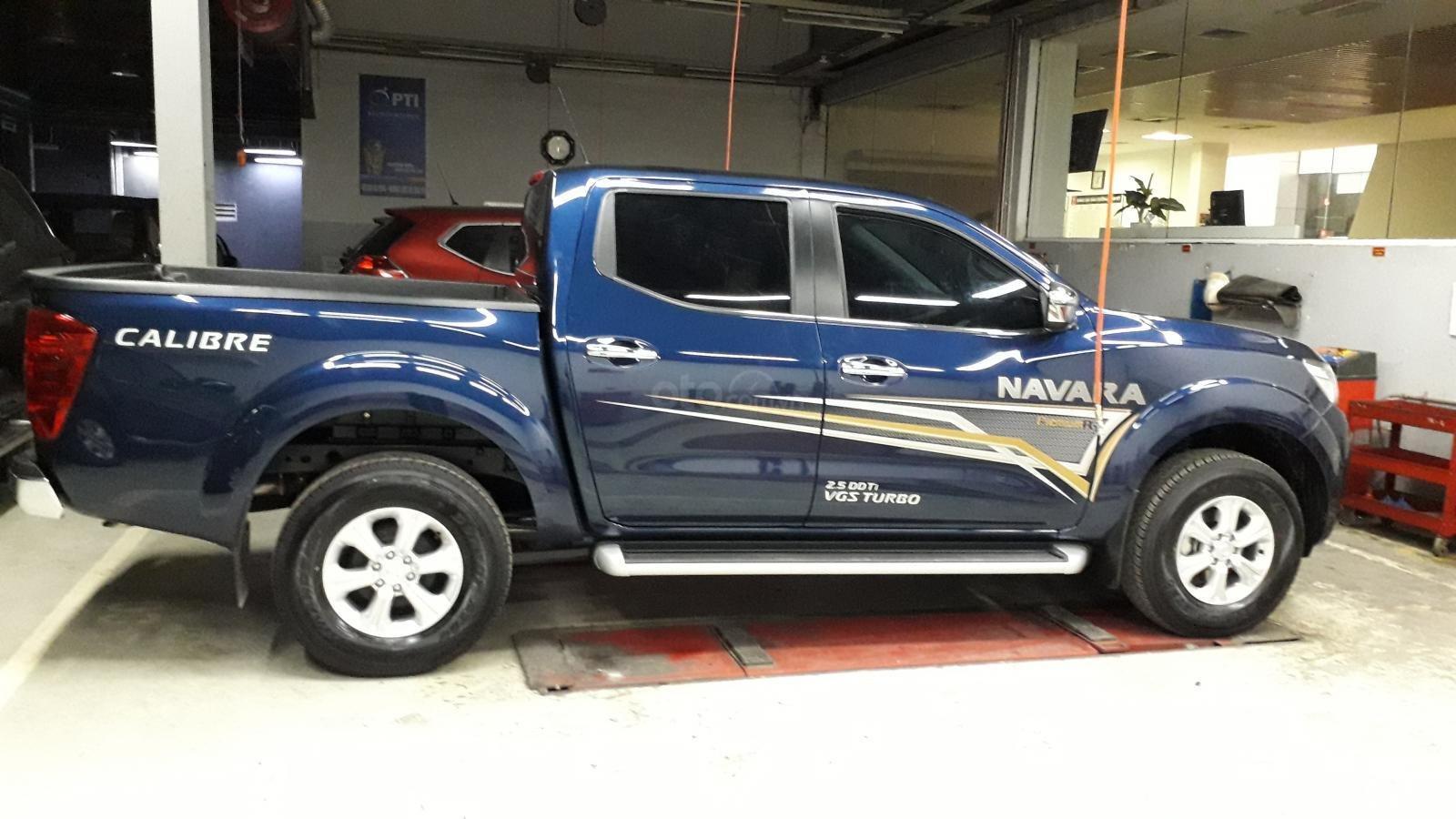 Xe Nissan Navara EL giao ngay giá sock (3)