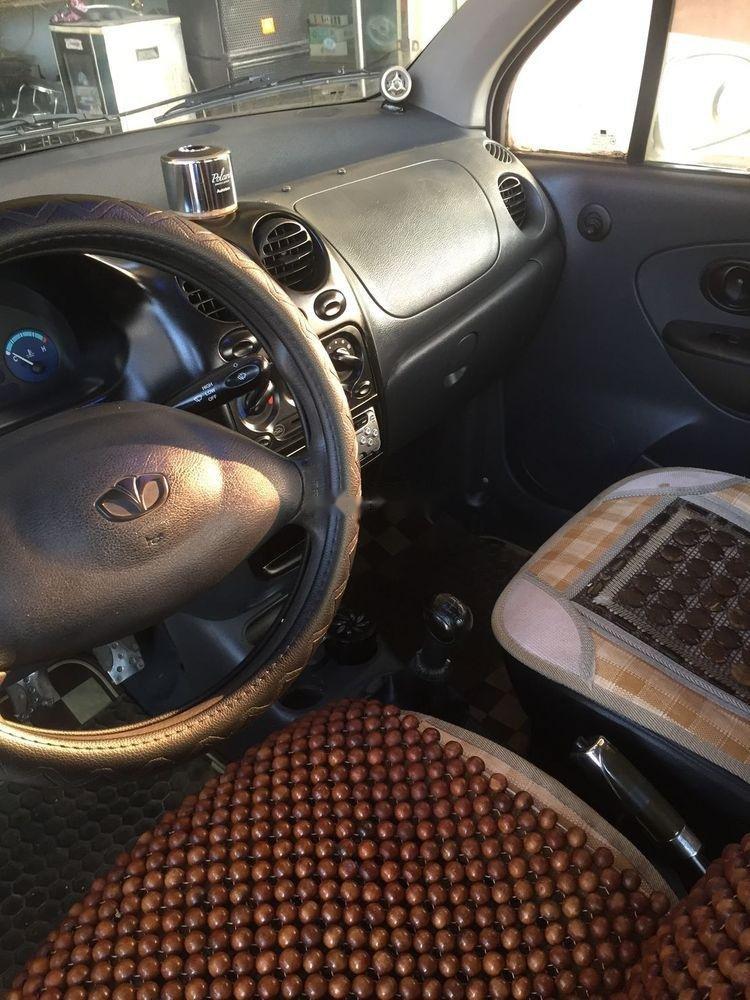 Cần bán gấp Daewoo Matiz năm sản xuất 2004, màu trắng, còn mới, giá cạnh tranh (2)