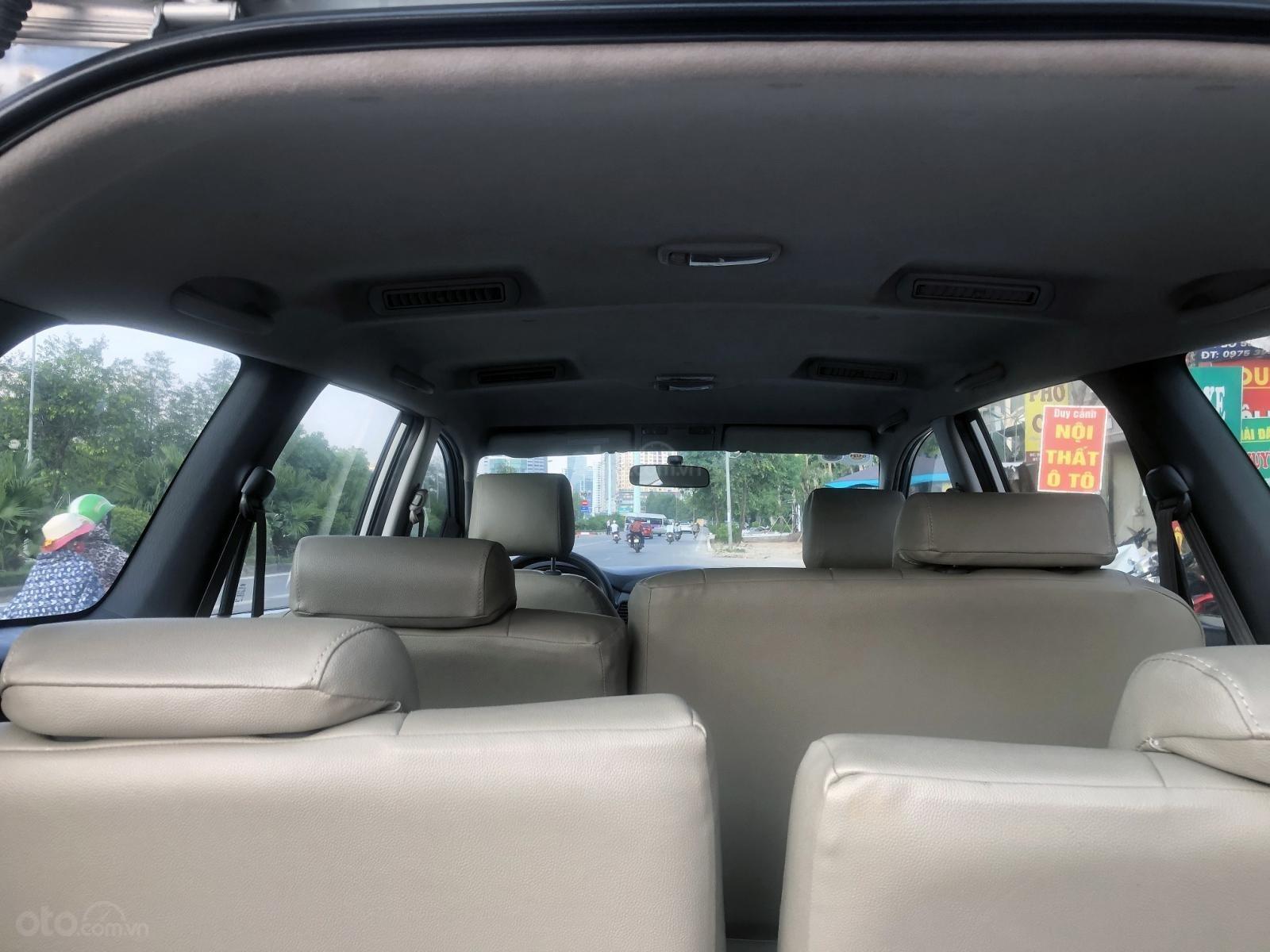 Bán ô tô Toyota Innova 2.0 MT đời 2012, màu bạc, biển Hà Nội, không chạy dịch vụ (12)