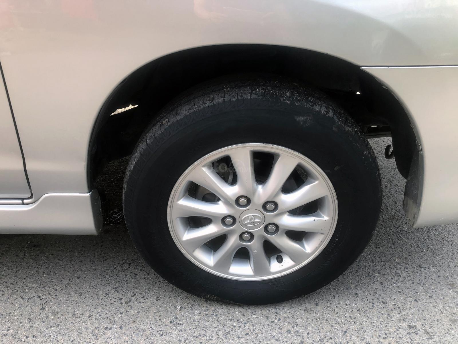 Bán ô tô Toyota Innova 2.0 MT đời 2012, màu bạc, biển Hà Nội, không chạy dịch vụ (15)