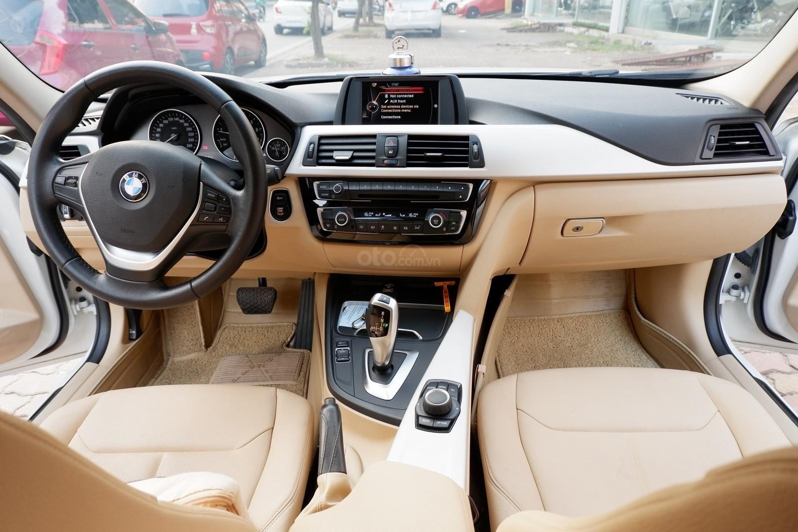 Cần bán BMW 3 Series 320i sản xuất năm 2015, xe nhập model 2016 (4)