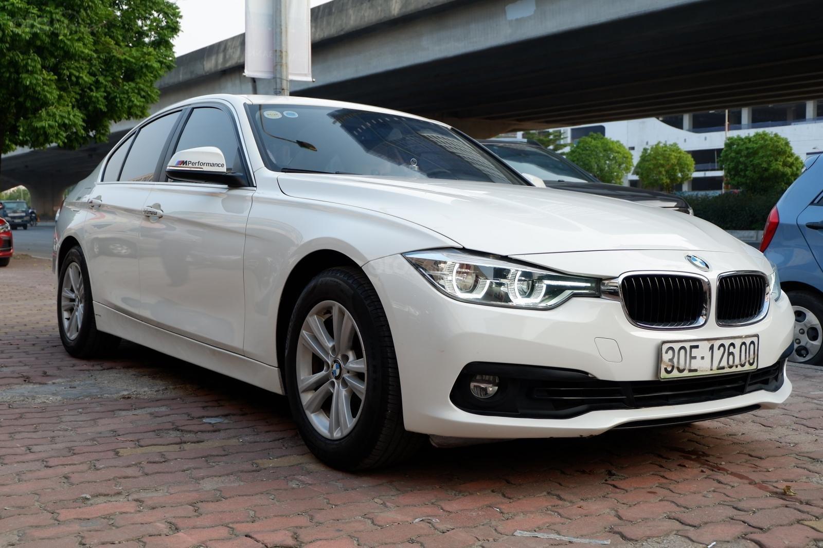 Cần bán BMW 3 Series 320i sản xuất năm 2015, xe nhập model 2016 (7)