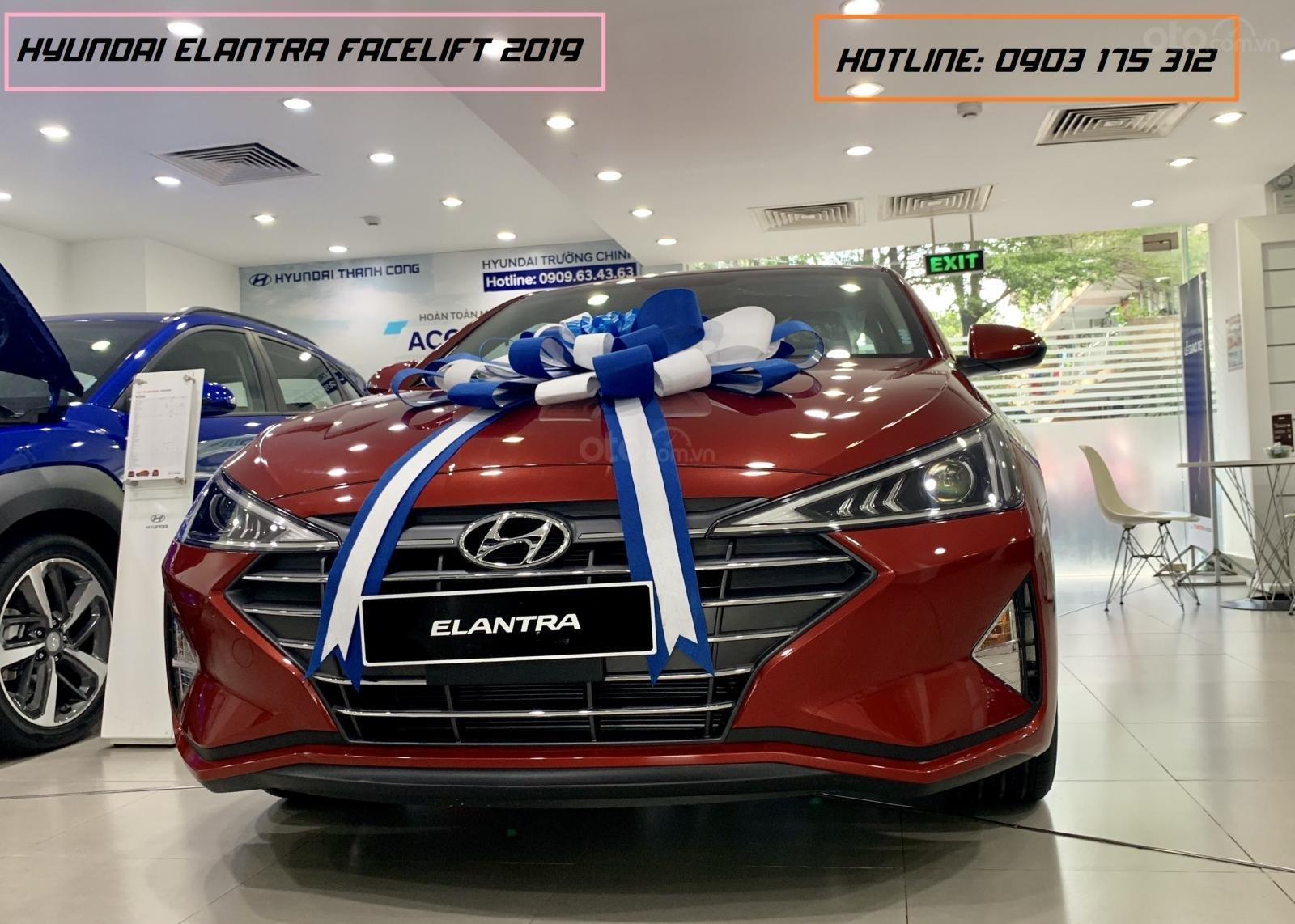 Hyundai Elantra xe sẵn giao ngay, giá giảm sâu, tặng thêm nhiều quà tặng giá trị. Lh: 0977 139 312 (1)
