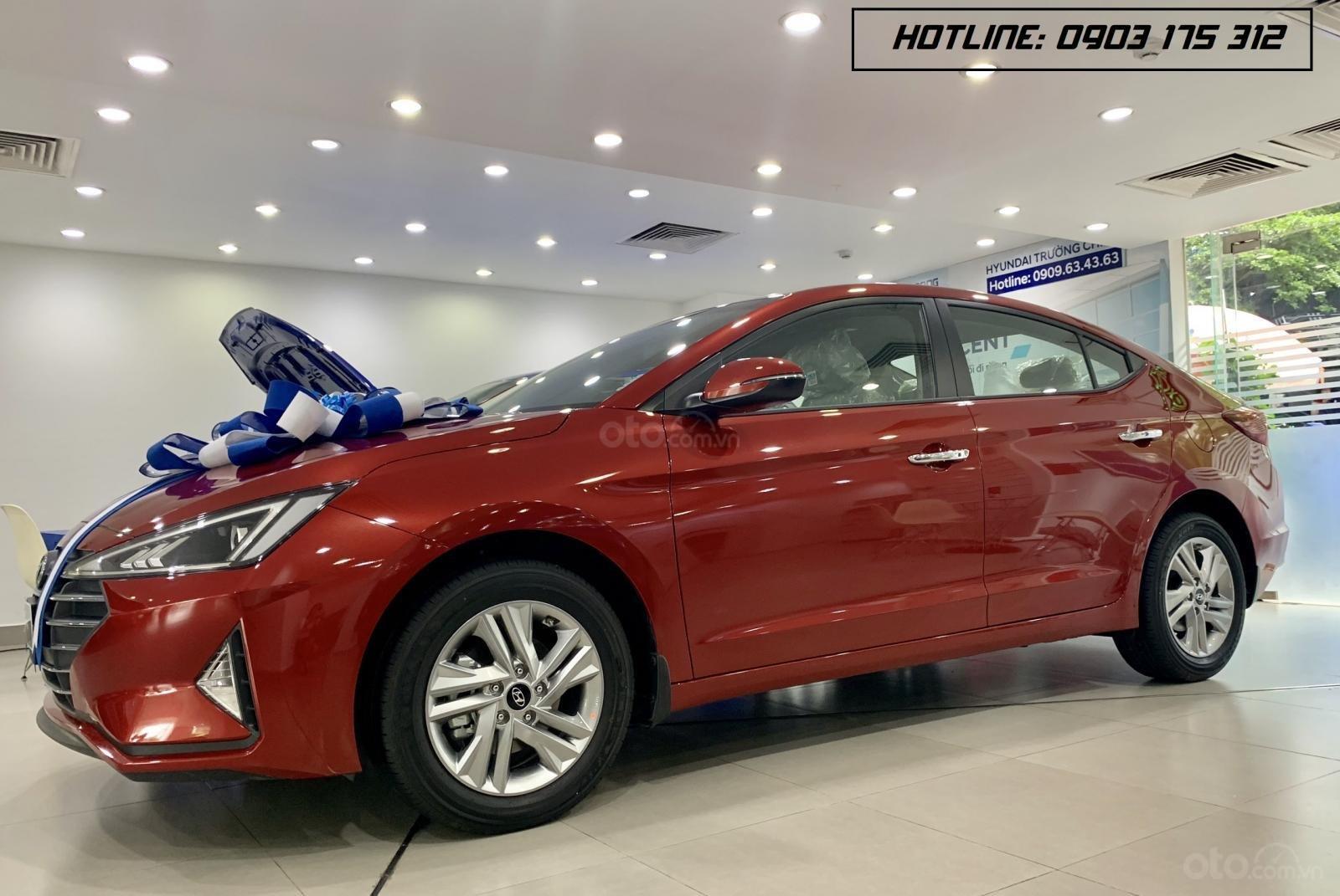 Hyundai Elantra xe sẵn giao ngay, giá giảm sâu, tặng thêm nhiều quà tặng giá trị. Lh: 0977 139 312 (2)