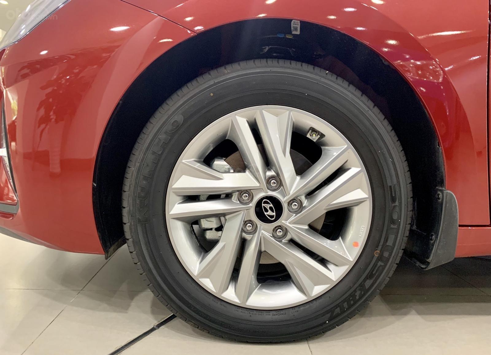 Hyundai Elantra xe sẵn giao ngay, giá giảm sâu, tặng thêm nhiều quà tặng giá trị. Lh: 0977 139 312 (5)