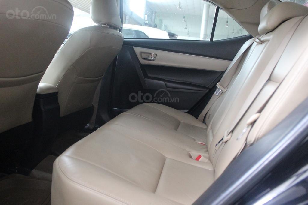 Cần bán xe Toyota Corolla Altis G 1.8 AT sản xuất năm 2015, màu đen (4)