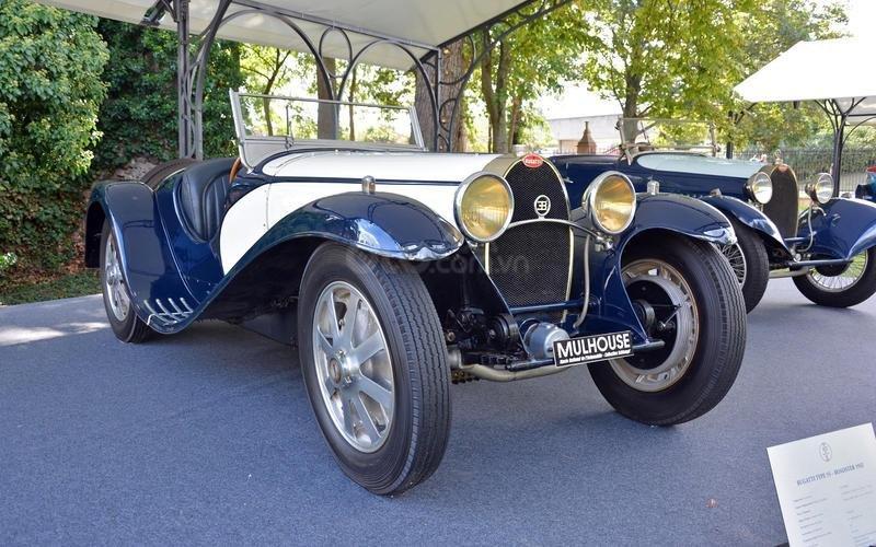 Bugatti Type 55 mui trần (năm 1932).