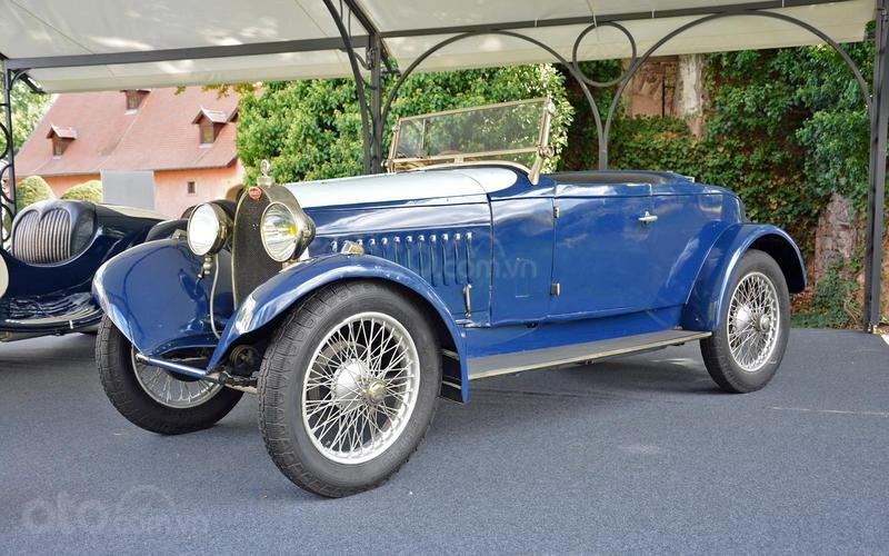 Bugatti Type 40 mui trần (năm 1926).