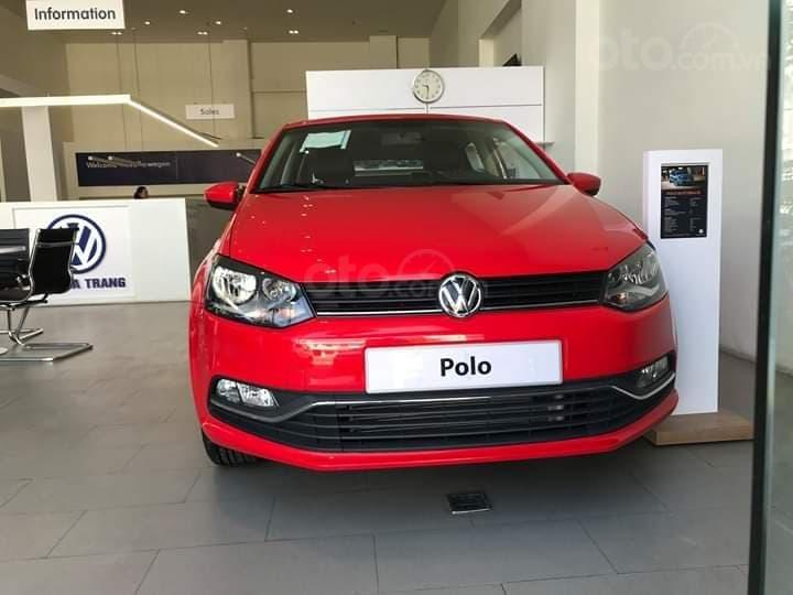 Bán Volkswagen Polo màu đỏ, nhập khẩu nguyên chiếc với nhiều ưu đãi (1)