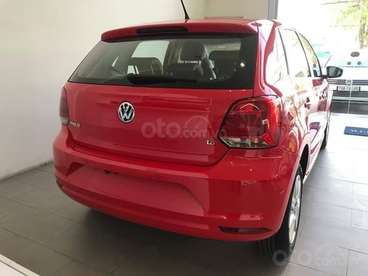 Bán Volkswagen Polo màu đỏ, nhập khẩu nguyên chiếc với nhiều ưu đãi (3)