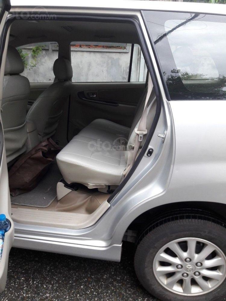 Bán Toyota Innova 2.0G 2013, màu bạc số tự động (4)