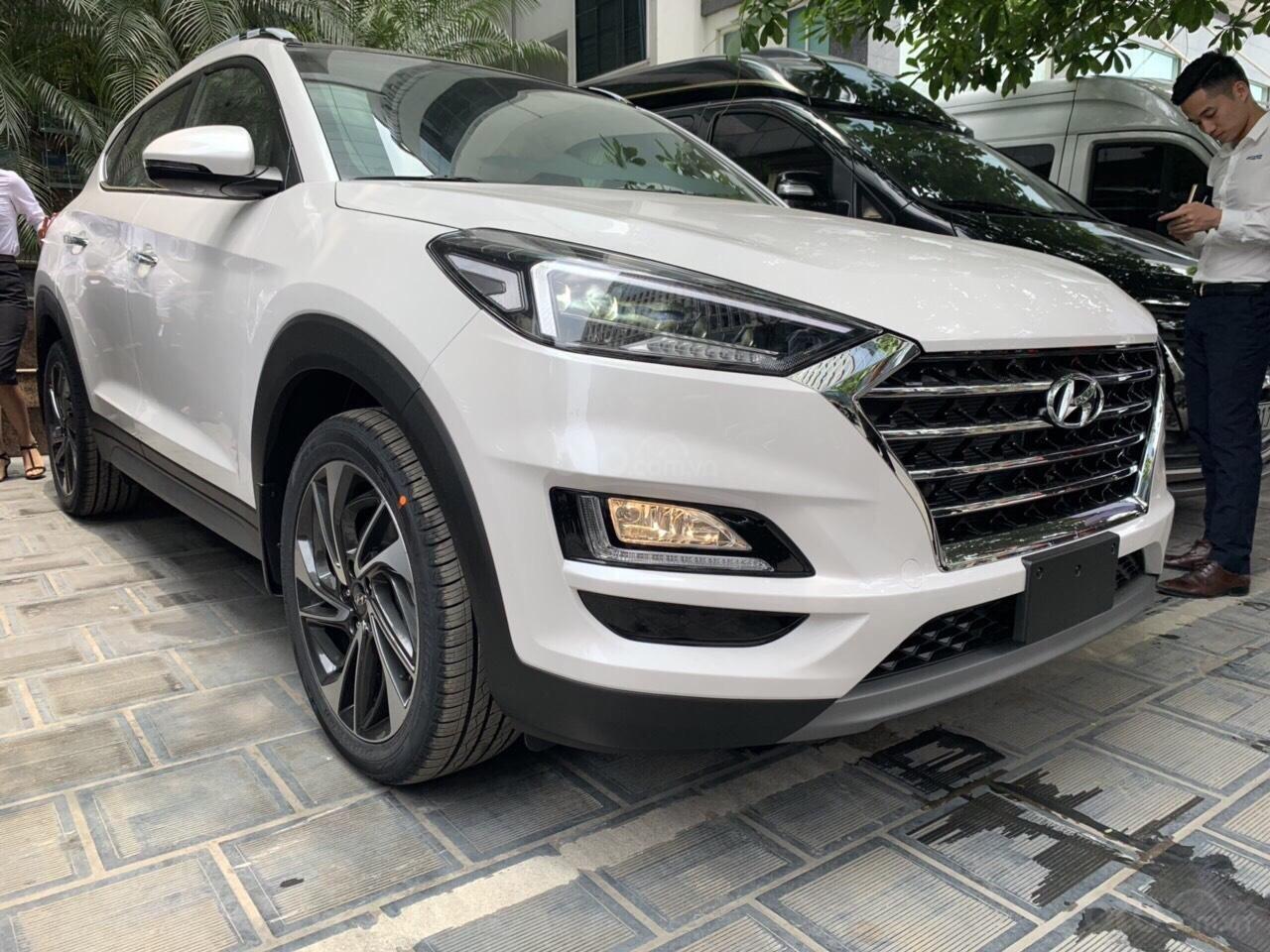 Cần bán xe Tucson 2.0AT đặc biệt 2019, giá 858 triệu đồng (13)
