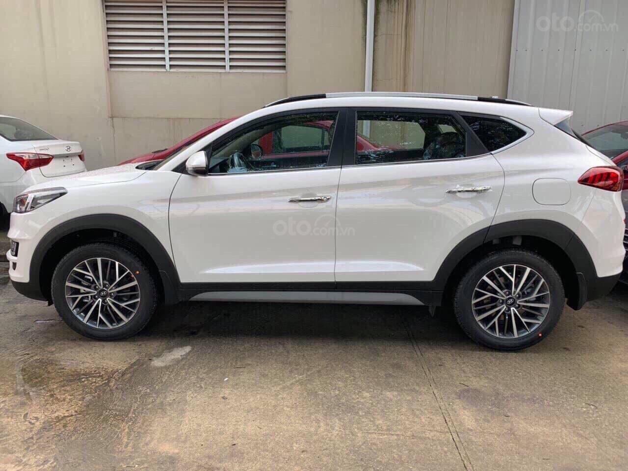 Cần bán xe Tucson 2.0AT đặc biệt 2019, giá 858 triệu đồng (17)