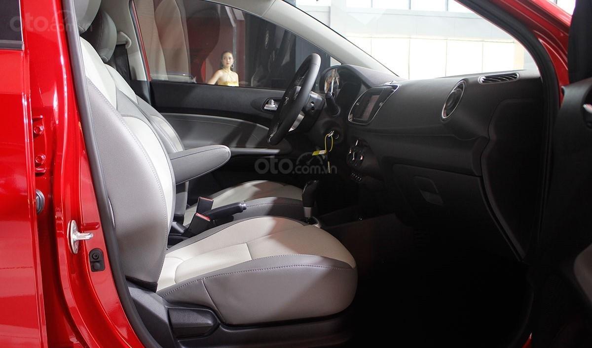 So sánh xe Kia Soluto 2019 với Honda City 2019 a22