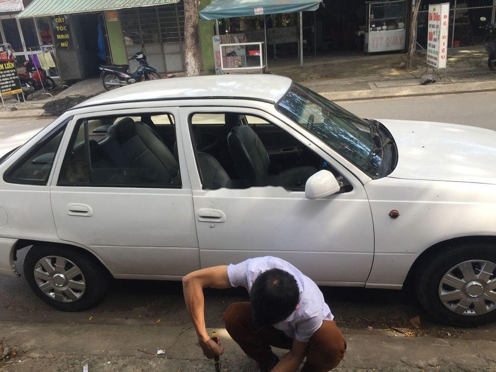 Cần bán gấp Daewoo Cielo năm 2000, màu trắng, xe nhập, giá cạnh tranh (4)