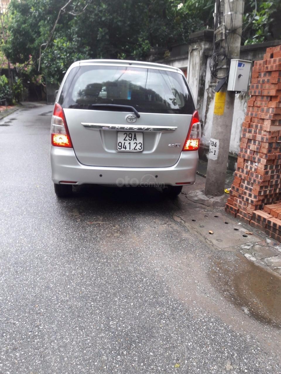 Bán Toyota Innova 2.0G 2013, màu bạc số tự động (6)