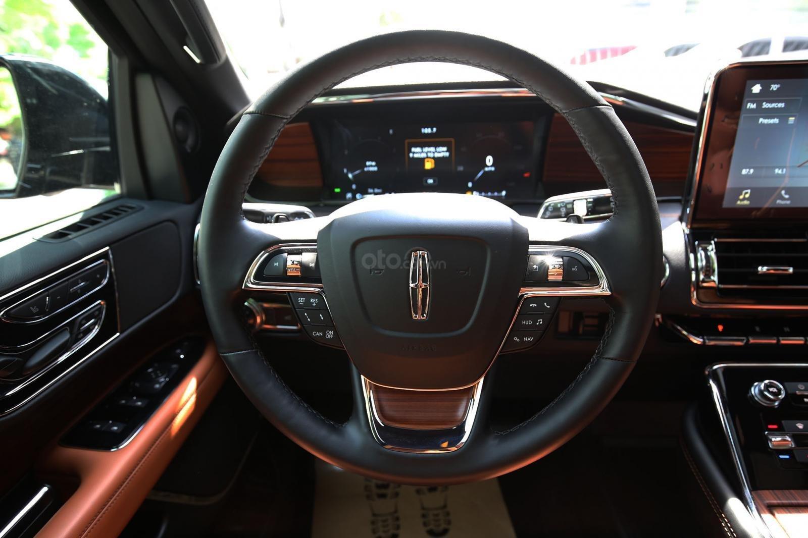 Bán Lincoln Navigator L Black Label năm 2019, màu đen, nội thất nâu da bò, mới 100% (16)