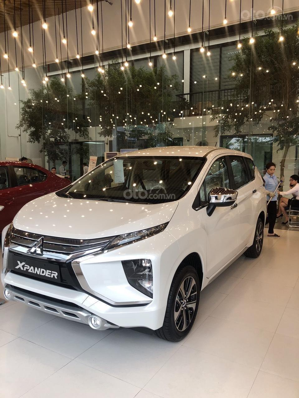 Bán Xpander số sàn năm 2019, màu trắng tại Nghệ An-Hà Tĩnh, trả góp 80%, 0963.773.462, giá 550tr (1)